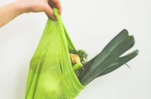 Gemüse in einem Einkaufsnetz