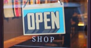 Ladenschild open