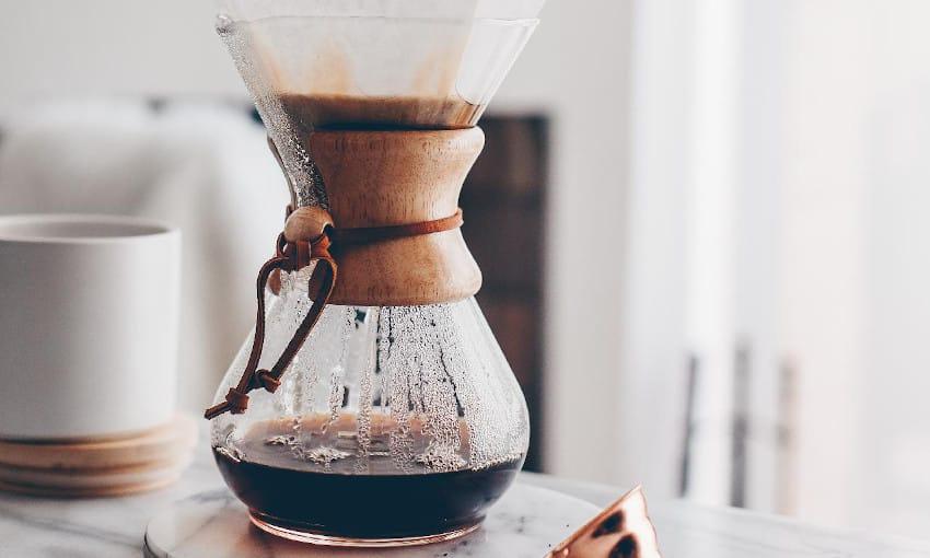Kaffeezubereiter aus Glas mit Korkring