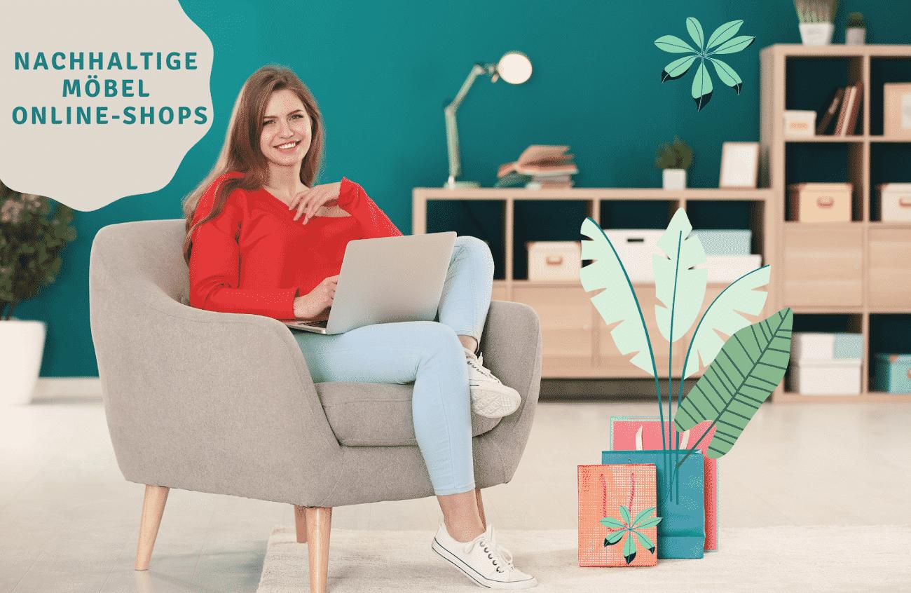 Frau sitzt mit Laptop auf Sessel vor Holzregal