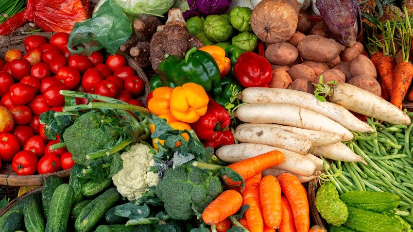 verschiedene Gemüsesorten von oben